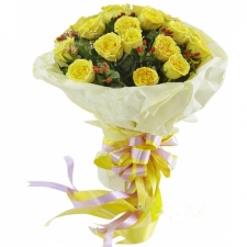 24 Premium Blooming Yellow Roses in Bouquet