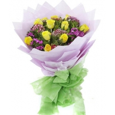 12 Premium Yellow Roses in Bouquet